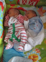 new-twins-on-mat